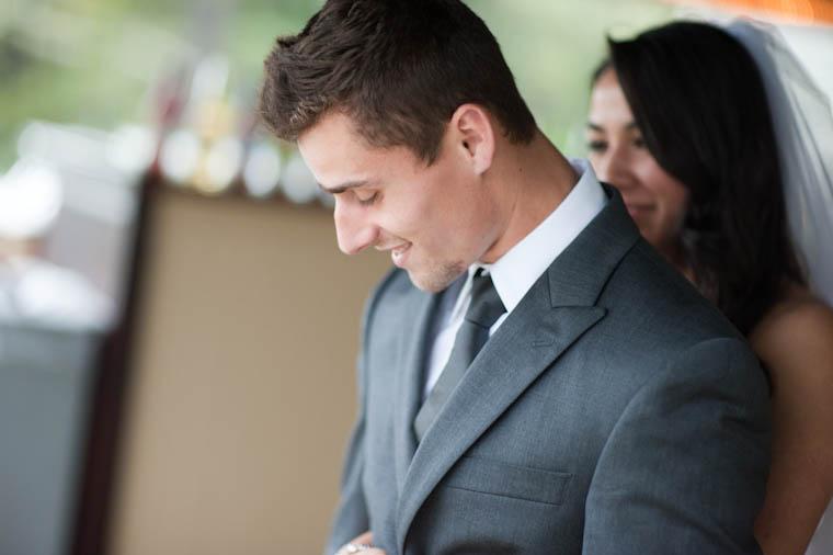 First Look: Sendy Hugs Bryan From Behind